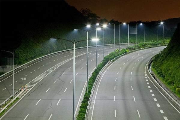 Vì sao cần lựa chọn đại lý đèn đường led uy tín?