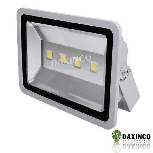 Đèn pha led 200w thông dụng phân phối bởi daxinco