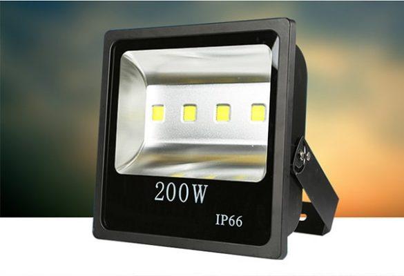 Đèn pha led cao áp 200w đang được nhiều người ưa thích và sử dụng