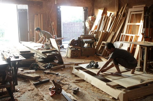 Đèn pha led cho xưởng gỗ