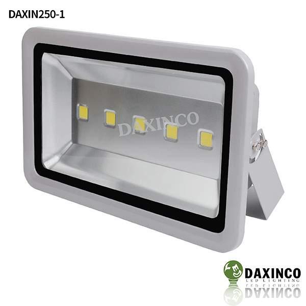 Đèn pha led 250W Daxinco kiểu thông dụng Daxin250-1 1