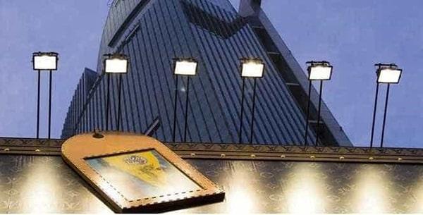 Lắp đặt đèn pha led bảng hiệu cần cân nhắc đến khả năng chiếu sáng