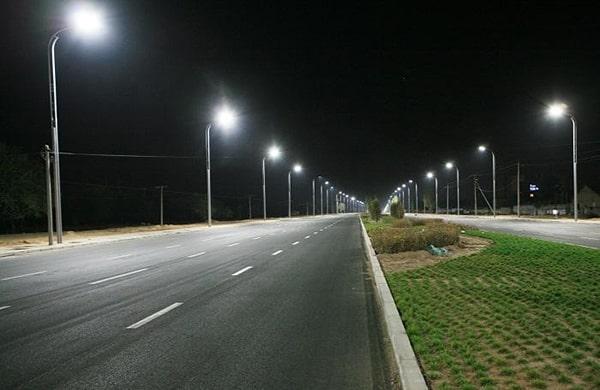 Đèn đường led cho trụ đèn có chiều cao 8m