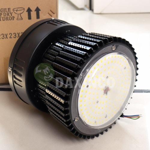 [Hình ảnh thật tế] đèn led nhà xưởng 100w vỏ đen -1