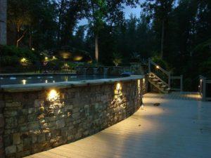 Những lưu ý trong thiết kế hệ thống chiếu sáng đèn pha led cho sân vườn