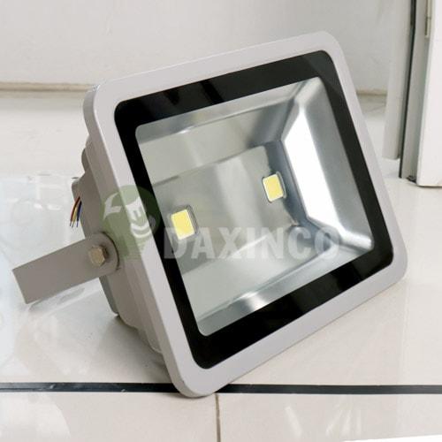 [Hình ảnh thật tế] đèn pha led 120w-1 2 chip led