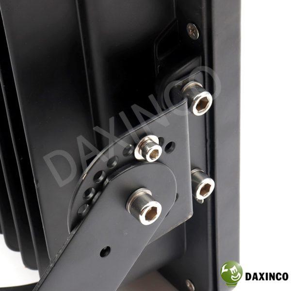 đèn pha led 200W SMD Daxinco kiểu chiến sỹ 8