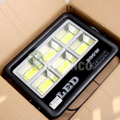 [Hình ảnh thật tế] đèn pha led 200W COB chiến sỹ