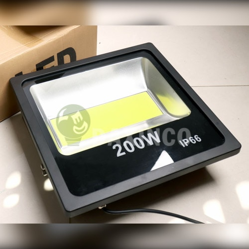 [Hình ảnh thật tế] đèn pha led 200W kiểu Full