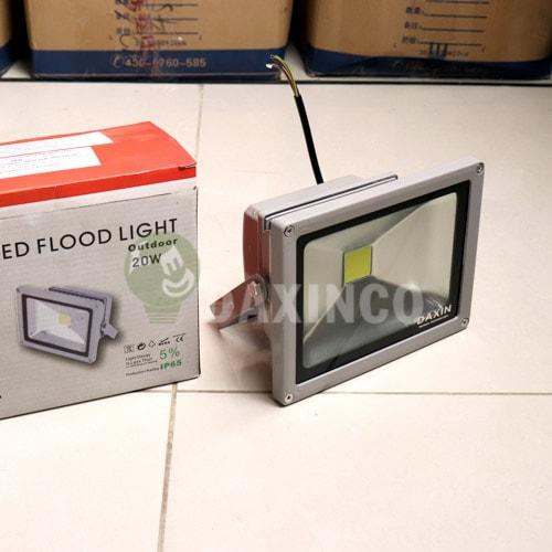 [Hình ảnh thật tế] đèn pha led 20w-1