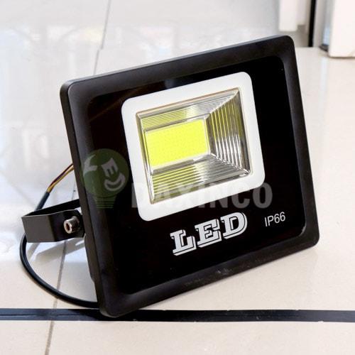 [Hình ảnh thật tế] đèn pha led 50W COB chiến sỹ