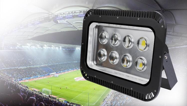 Lưu ý khi lựa chọn đèn pha led cho sân bóng đá 7 người