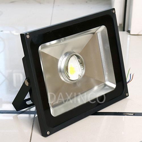 [Hình thật tế] Đèn pha LED lúp 50W