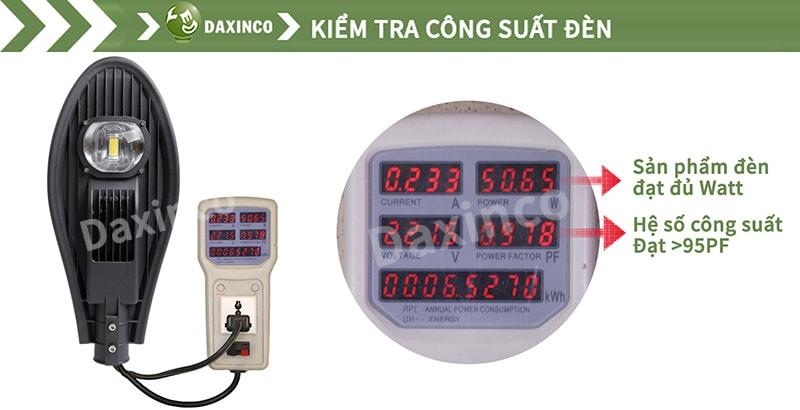Kiểm tra công suất đèn đường led 50W chiếc lá Daxinco