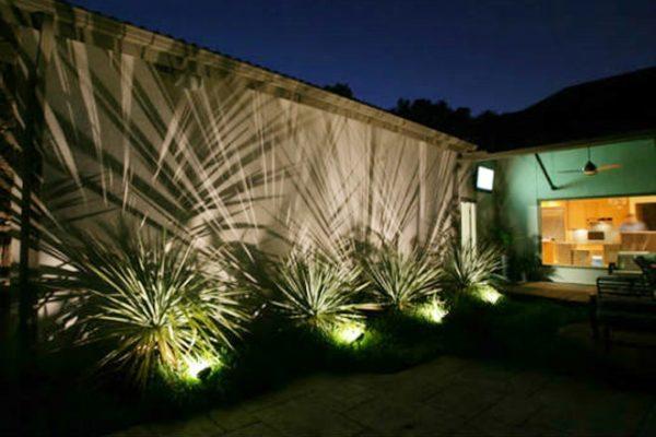 Vì sao lựa chọn đèn pha led chiếu rộng cho không gian ngoại thất?