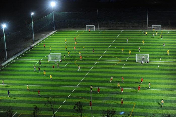 Đèn pha cho sân bóng cho ánh sáng ưu việt