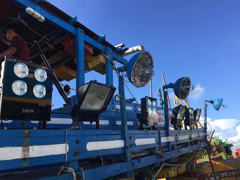 Đèn pha led cho tàu đánh cá cho hiệu quả kinh tế cao