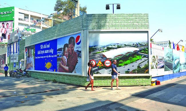 Đèn pha led công trình tường rào cho mặt tích cực về hiệu quả kinh tế