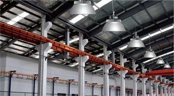 Hoạt động an toàn là yêu cầu cơ bản của đèn LED nhà xưởng