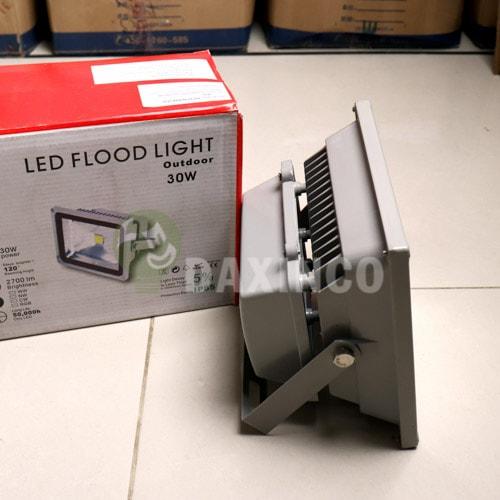 [Hình ảnh thật tế] đèn pha led 30w-1