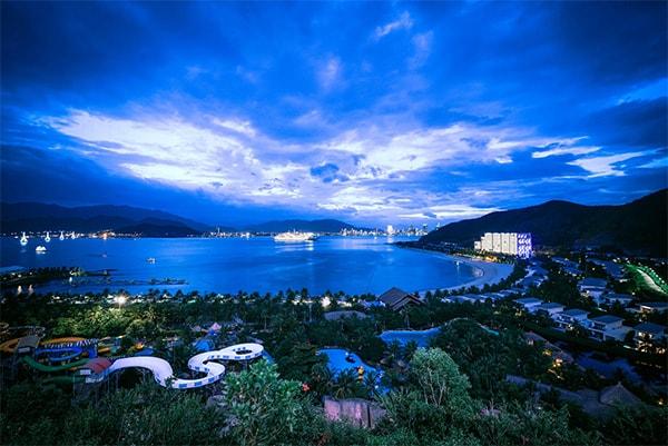 Thực hiện dự án hệ thống chiếu sáng đèn led cho Vinpearl Land Nha Trang