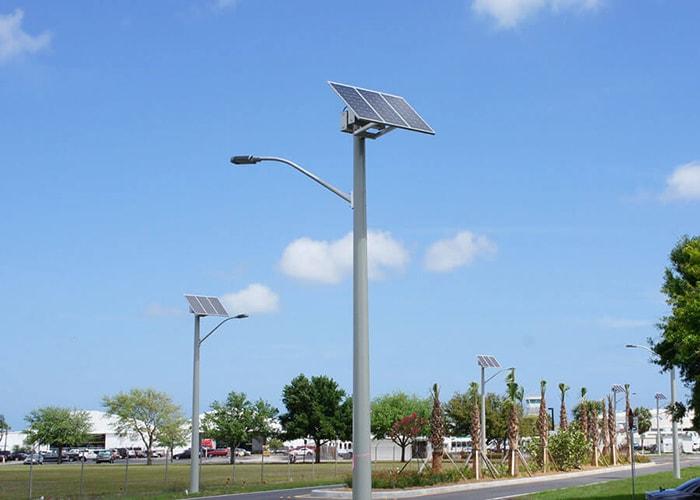 Đèn led sử dụng năng lượng mặt trời tại sân bay