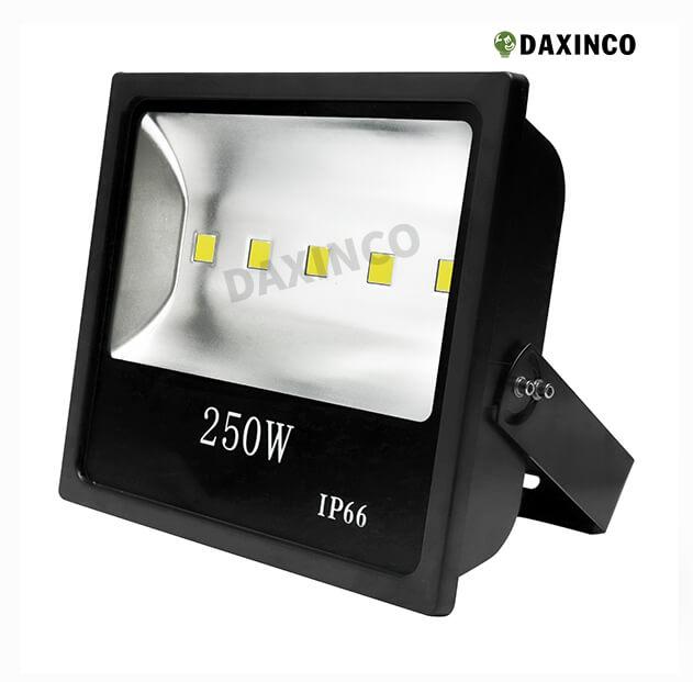 Đèn pha led 250w Daxinco kiểu dẹp 2