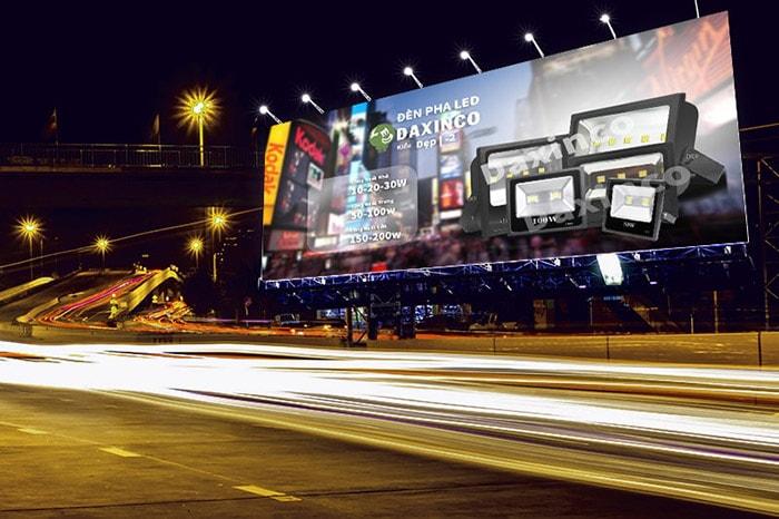 Đèn pha led chuyên dụng bảng quảng cáo