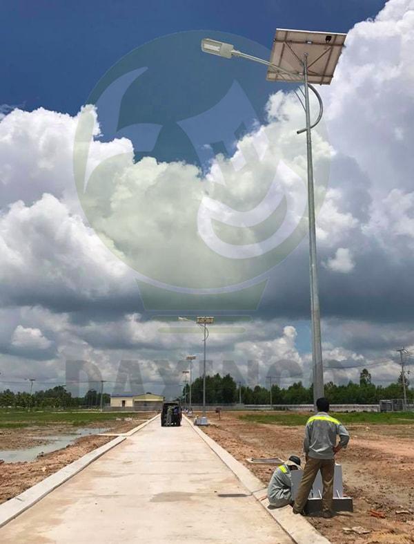 Lắp đặt đèn đường năng lượng mặt trời nhanh chóng