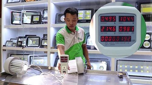 Sản phẩm tại công ty phân phối đèn pha led tại Cần Thơ luôn được kiểm tra nghiêm ngặt