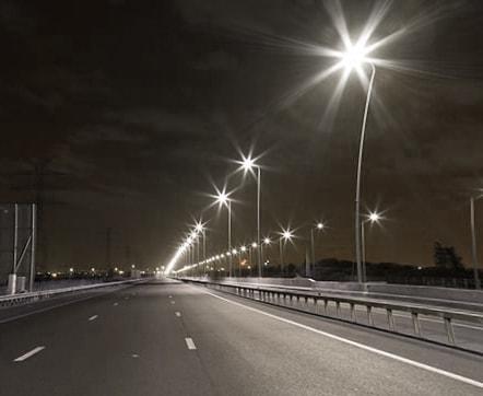 Hệ thống đèn đường lắp đặt theo phương án chuyên dụng cho đầu nối trụ đèn chiếu sáng
