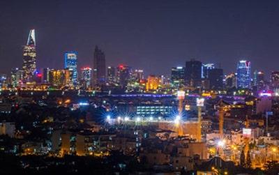 Đèn pha Led đang thay đổi bộ mặt của thành phố Hồ Chí Minh về đêm