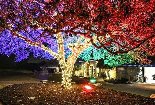 Chiếu sáng sân vườn trang trí