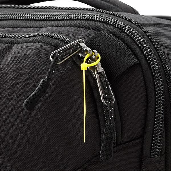 Sử dụng dây rút nhựa để làm khóa balo, túi hành lý chống trộm
