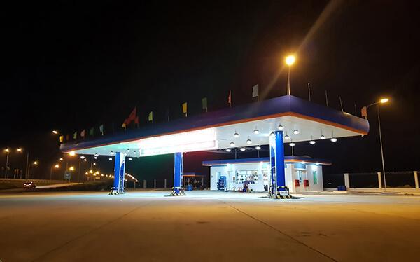 Cung cấp đèn led treo cho trạm xăng