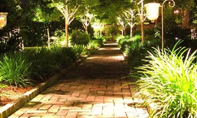 Đèn led hắt cây có nhiều ưu điểm nổi trội