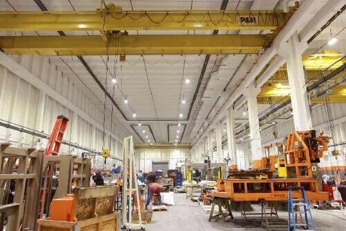Chiếu sáng nhà xưởng phải đảm bảo tiện nghi lao động
